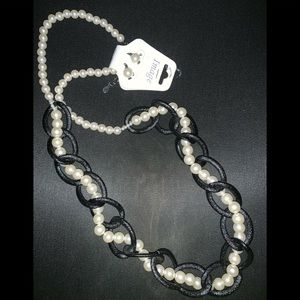 Jewelry - Long Pearls Neklace and Earrings Set